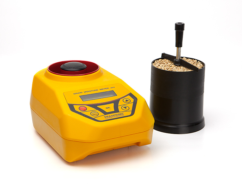 The DRAMINSKI GMMpro moisture meter, this is a device which performs precise measurement of grain moisture by volume-weight method